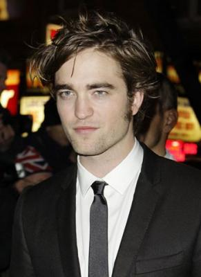 ROBERT PATTINSON SE SOLIDARIZA CON HAITI!!!!!!!!!!!